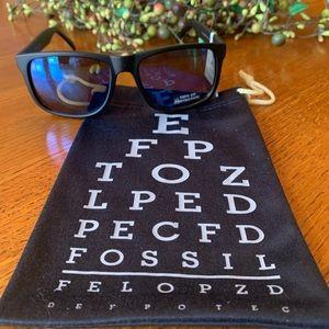Look 👀 NWT FOSSIL WAYFARER Sunglasses 😎 Black!